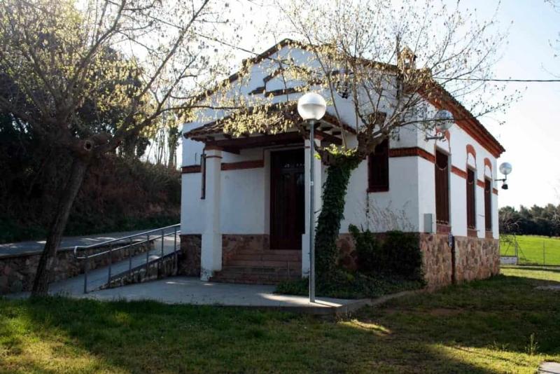 Antigues Escoles de Marata
