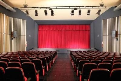El teatre reformat del Casal Cultural de Corró d'Avall