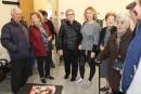 Cristina Pardo saludant els usuaris del Casal d'Avis i Centre Social de Bellavista