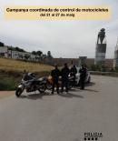 Policia Local fent el control de motocicletes