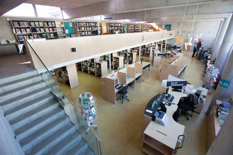 Interior de la Biblioteca Municipal (3)